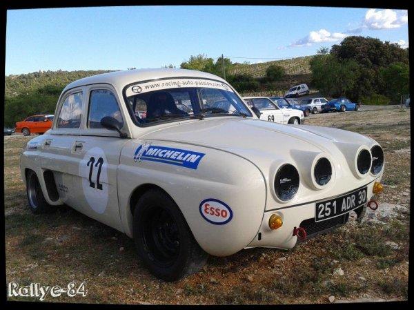 Montée historique de Lioux 2014 - Renault Dauphine