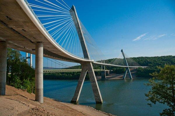 le Pont de Térenez en Finistère
