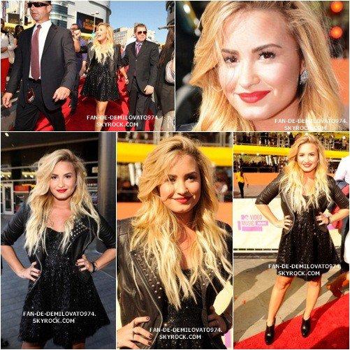 06/09/2012 : Demetria était présente sur le tapis rouge des VMA qui se dérouler à Los Angeles .