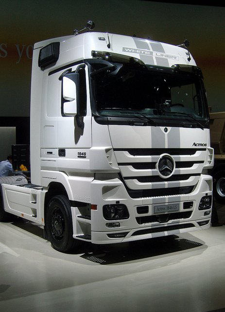Mercedes Benz Actros Black And White Liner