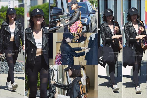 - 05/06/17 : Lucy a été faire une petit séance shopping à Reformation Store, Melrose Place (LA). Encore une tenue très sportive, j'aime bien son leggings et ses baskets, elle a plutôt bonne mine. -