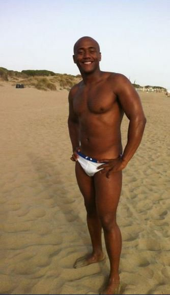 Handsome Black from Cuba... Beau Black de Cuba...