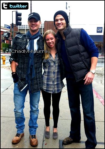 • Twitter ►  Le 21 Novembre 2011 - Avec Jared & Melanie