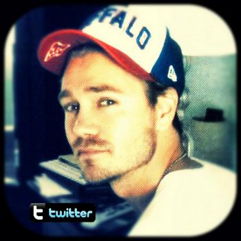 • Twitter ►  Le 06 Août 2012 - Chad ! ♥