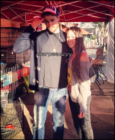 • Photos Avec Les Fans ►  Le 19 Novembre 2012 - Chad en ville