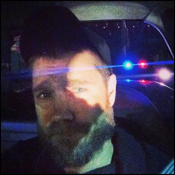 • Instagram ►  Le 14 Décembre 2013 - Chad a été arrêté par la police