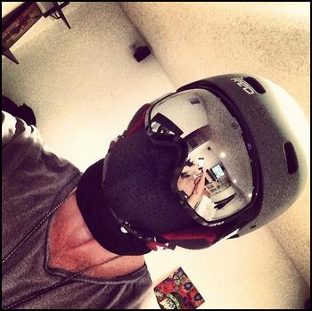 • Instagram + Photos Avec Les Fans ►  Le 06 Mars 2014 - Chad va aller au Ski et Rencontre des Fans