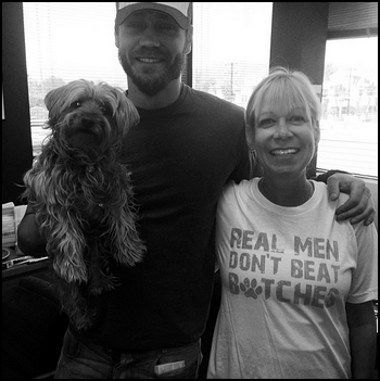 "• Instagram ►  Le 29 Avril 2014 - Chad Et Sa Mère ""Adoptive"""