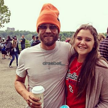 • Photos Avec Les Fans ►  Le 30 Mai 2014 - Chad Et Une Fan Aux Chutes Du Niagara