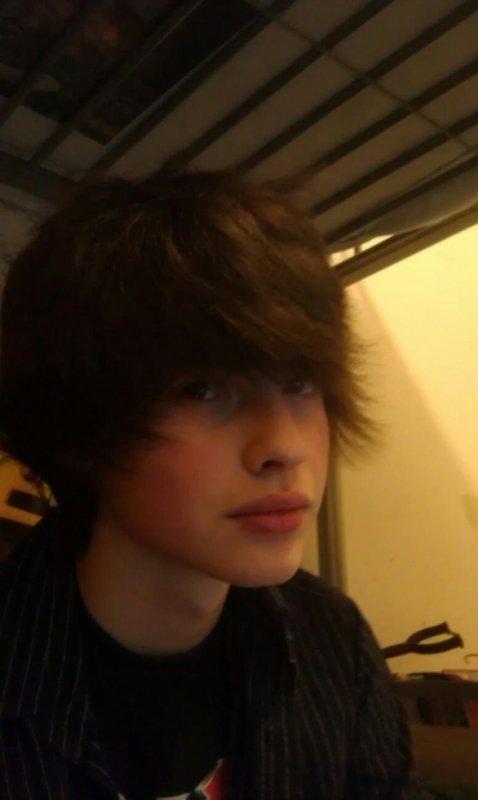 Après le sèche cheveux ;) ,oui mes cheveux ont repousser ;)