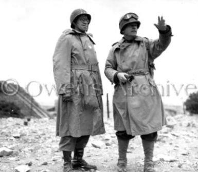 Général Omar Bradley à la plage de Normanie, le D-day