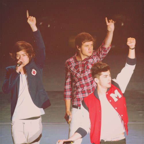 """""""Oh oh ohoho so put your hands up, Oh oh oh-oh, 'cuz it's a STAND UP"""" ♥"""
