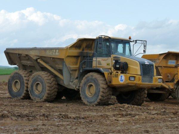 2 chantiers en 1 pour l'entreprise de terrassement du coin LEGRAND de Nave (59)