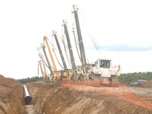Montage du gazoduc  et travaux sur St Pol (photos Miniature TP)