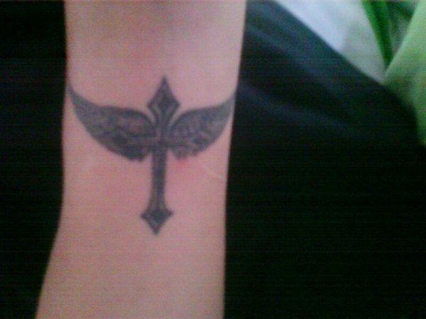 tatouage de bryan *-*