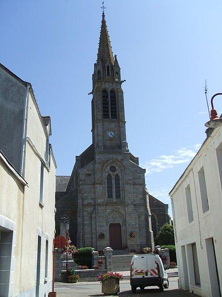 historique de l'Eglise de Carentoir (   Karantoer en breton  signifie la maison du couvreur)