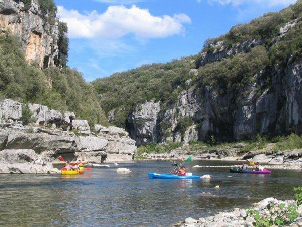 Petite promenade en France:   à Aiguèze en Ardèche