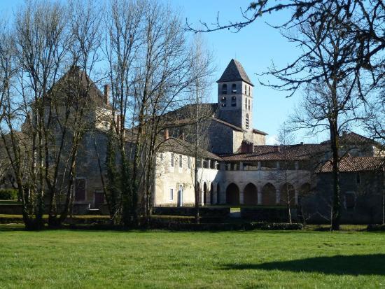 le chateau deMarthonie et le prieure