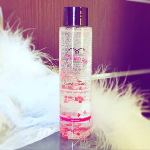 <NOUVEAUTE EXQUISE> Imaginez une expérience de #massage où votre #amour s'exprime grâce à des petits coeurs fondants sur le corps de votre partenaire qui savoure la douceur et la chaleur de vos caresses...  Cette expérience sensorielle au délicieux parfum de #Guimauve c'est celle de notre nouveauté #CoeurTendre, à découvrir de toute urgence en #PinkParty - Infos auprès de votre #Egérie préférée o