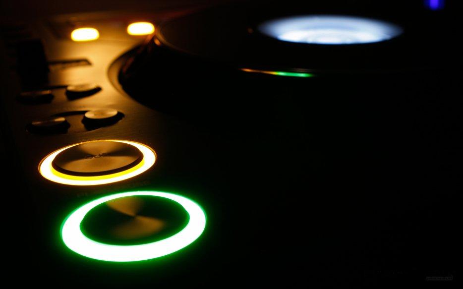 Famous Musik