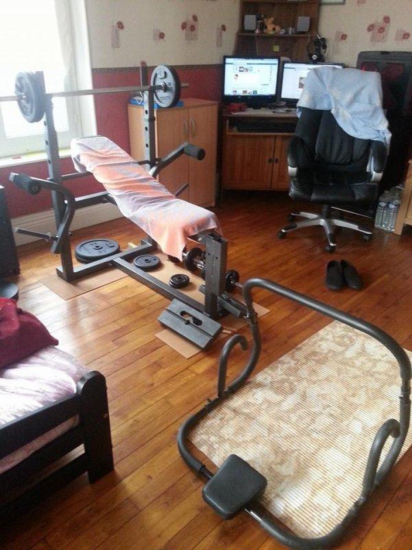 Ma salle de muscu perso est bien installer ;)