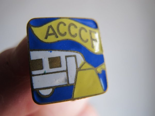 Badge ACCCF en émail