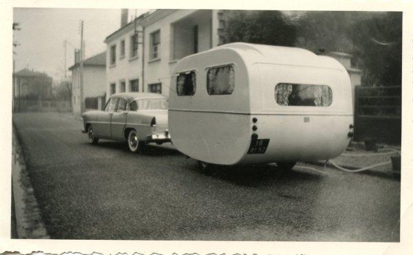 Caravane CAMUS et SIMCA ARIANE