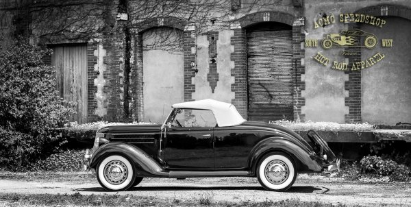 FORD DE LUXE ROADSTER 1936