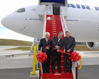 La premiere reception d'un 777f (freighter) par airfrance, compagnie de lancement qui en possede, actuelement, 2