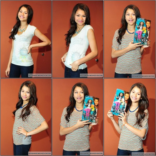 25/01/2012 : Zendaya a posé avec sa poupée à son effigie ''Rocky Blue''. TOP ou FLOP ?