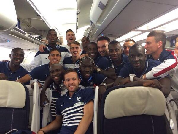 Départ pour le Brésil !!!!! Aller les bleus  ♥♥♥♥♥