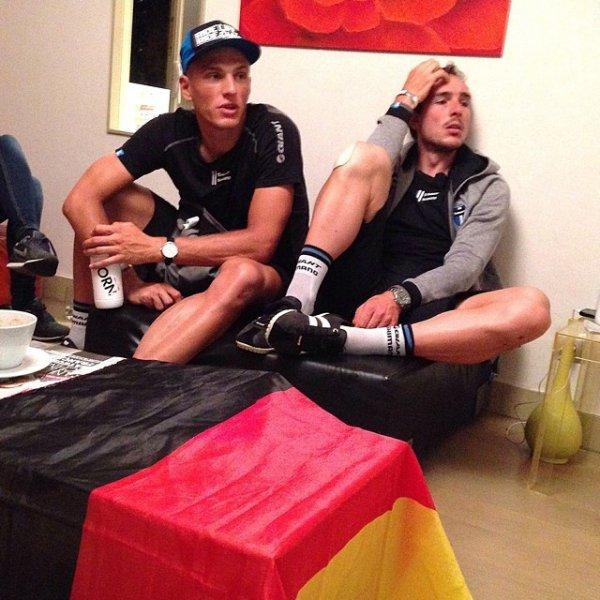 ♥ Marcel & John devant la finale de la coupe du monde ♥