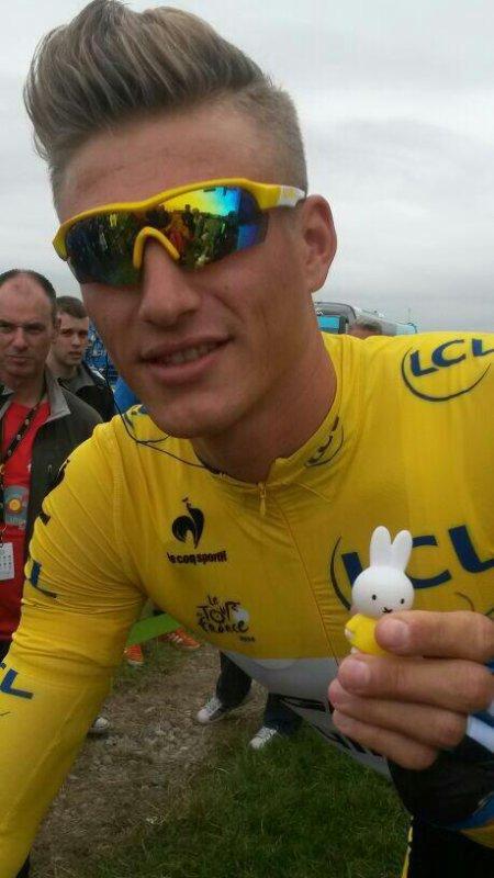 ♥ Marcel avec un petit lapin ♥