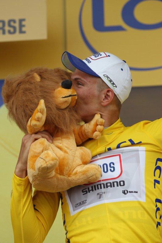 ♥ Marcel en jaune ♥