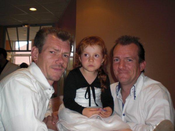de gauche a droite mon bof,ma niece virginie,et mon homme