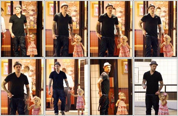 Joel Madden de sortie en famille