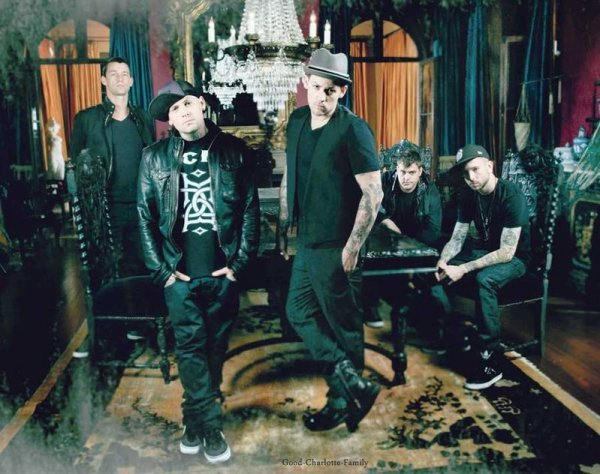 Good Charlotte au The Tonight Show de Jay Leno (13 décembre) + Photo promo & Interview