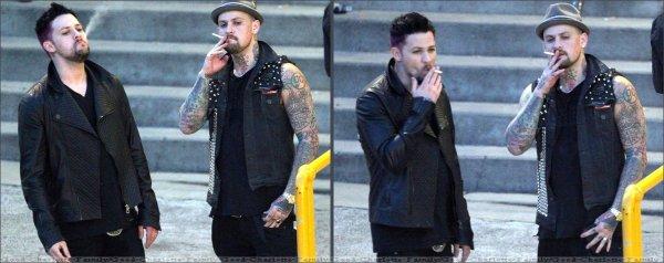 Joel & Benji Madden, petite pause cigarettes aux ARIA