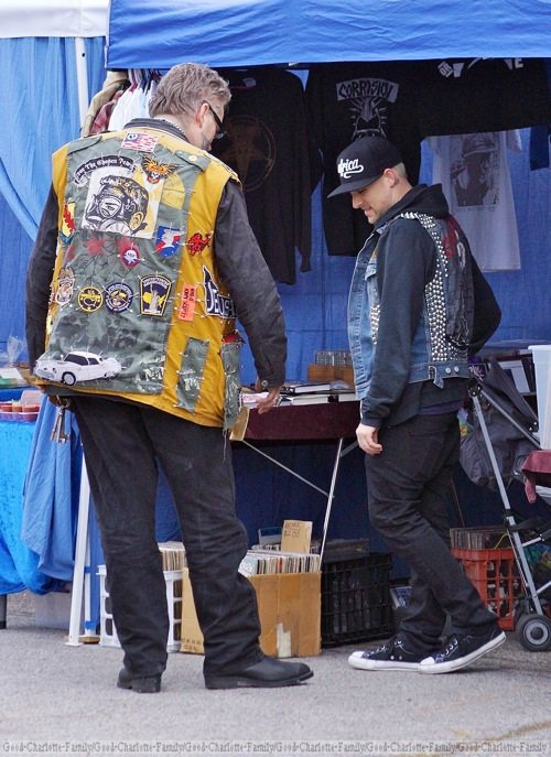 Joel Madden & baby Sparrow at farmer market