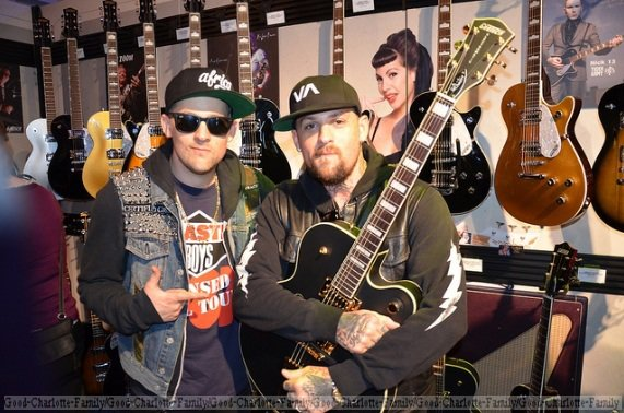 Joel & Benji Madden at Gretsch Showcase 2012 + info The Madden Brothers