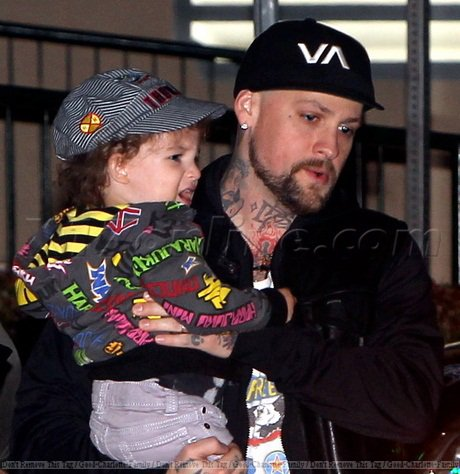 Benji Madden spend time in Beverly Hills with Harlow & Sparrow - CA - 27.02.2012