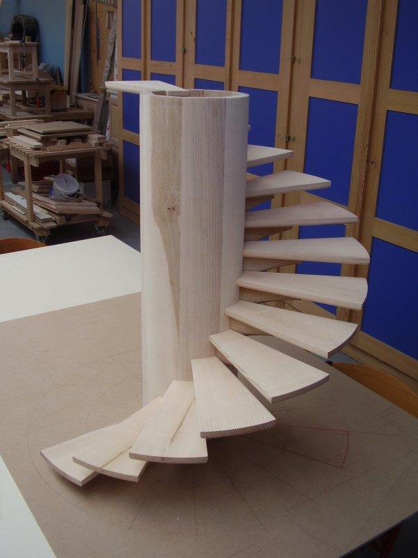 maquette d 39 escalier sur cylindre blog de formationbois. Black Bedroom Furniture Sets. Home Design Ideas