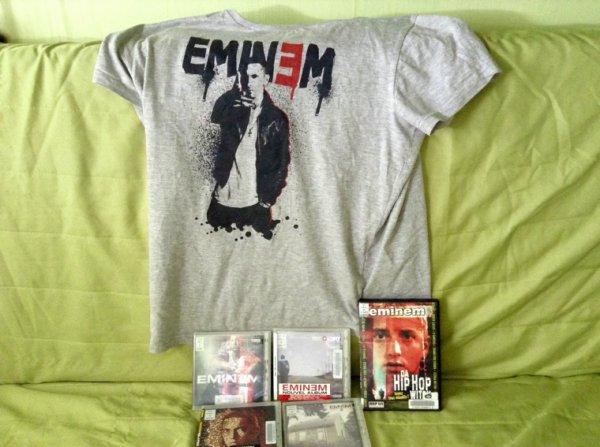 I love Eminem :)
