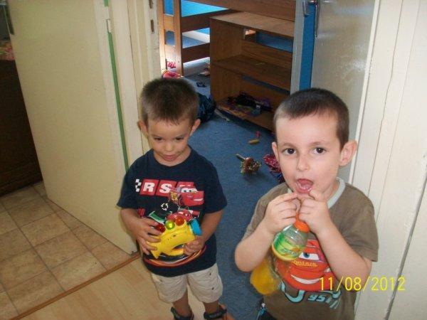 fils et petit cousin