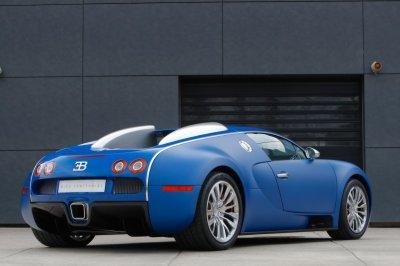 Bugatti-Veyron-Bleu-Centenaire-3-4-ar