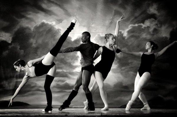 Pusieur sorte de danse c'est un art améliorer en plusieur genres ;)