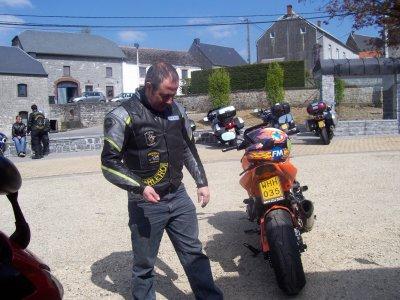 969 balade moto chez les AMC Floreffe le 17/04/2011
