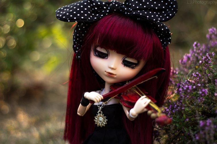 """""""Les sanglots longs des violons de l'automne Blessent mon c½ur d'une langueur monotone."""""""