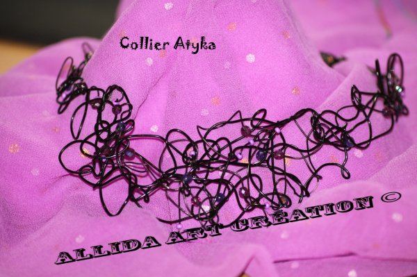 Collier Atyka