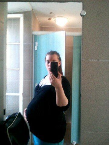 Mon ventre a 34 semaine d'amenorer prise le 15 avril 2011